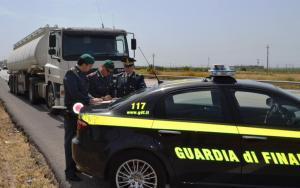 11.06.2013 - contrabbando prodotti petroliferi (1)