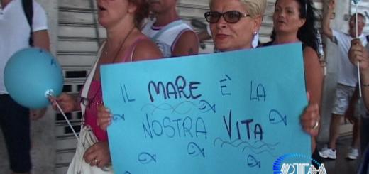 Bari, manifestazione via Capruzzi  5